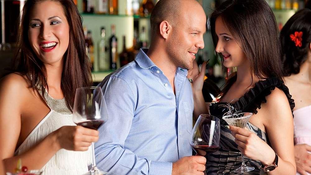 Фото: Мужчина любит внимание женщин