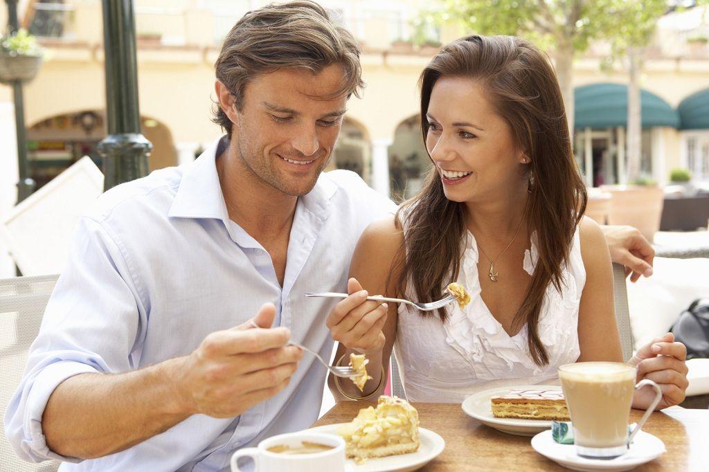 Фото: Сказочный завтрак супругов в кафе