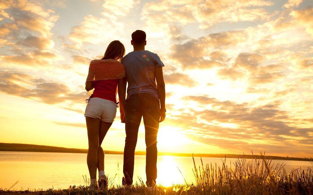 Фото: Романтический закат на озере