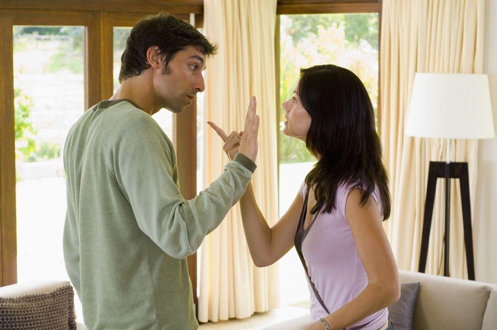 Фото: Легкая ссора мужа и жены