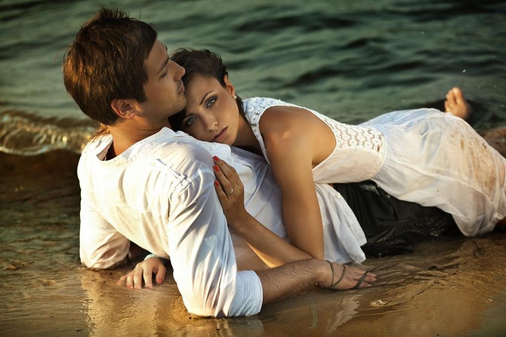 Фото: Парочка любовников на пляже