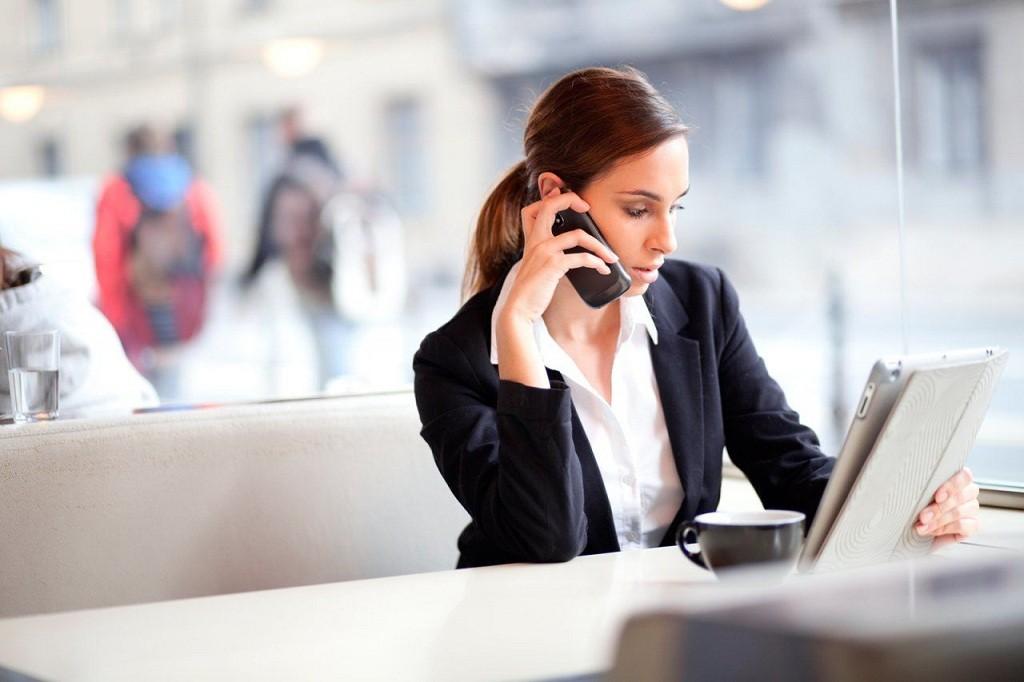 Фото: Телефонные деловые переговоры
