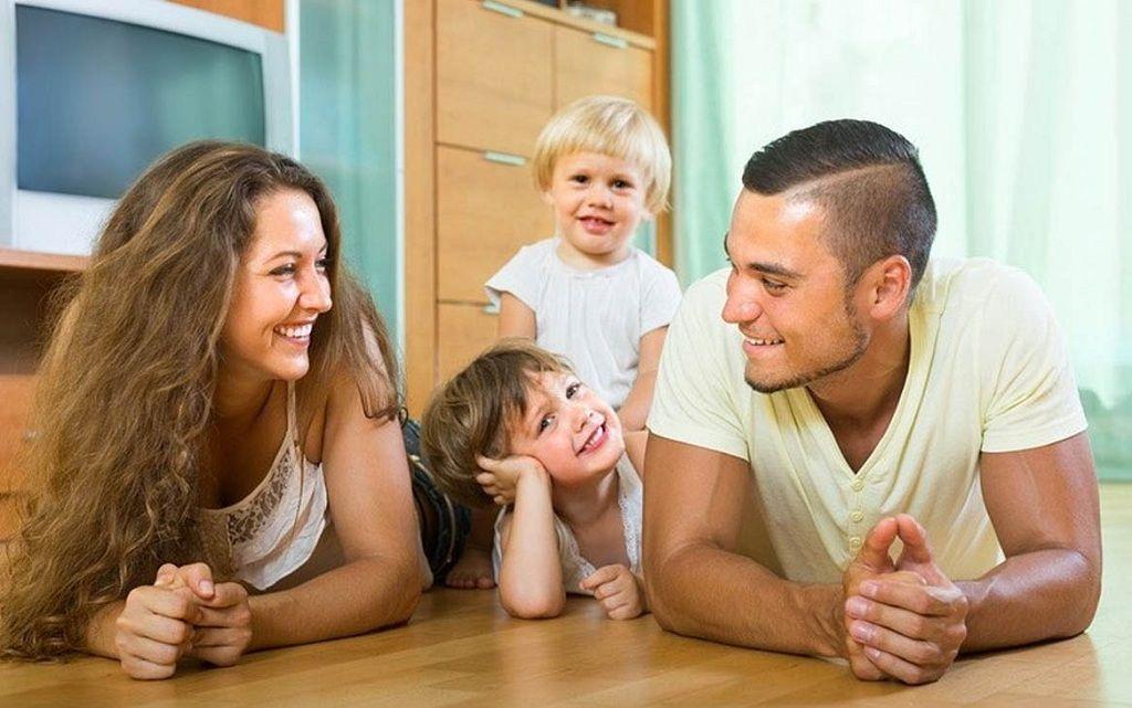 Фото: Семейное обсуждение