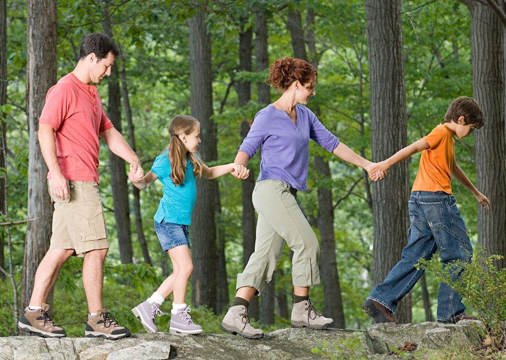 Фото: Семейный поход доверия
