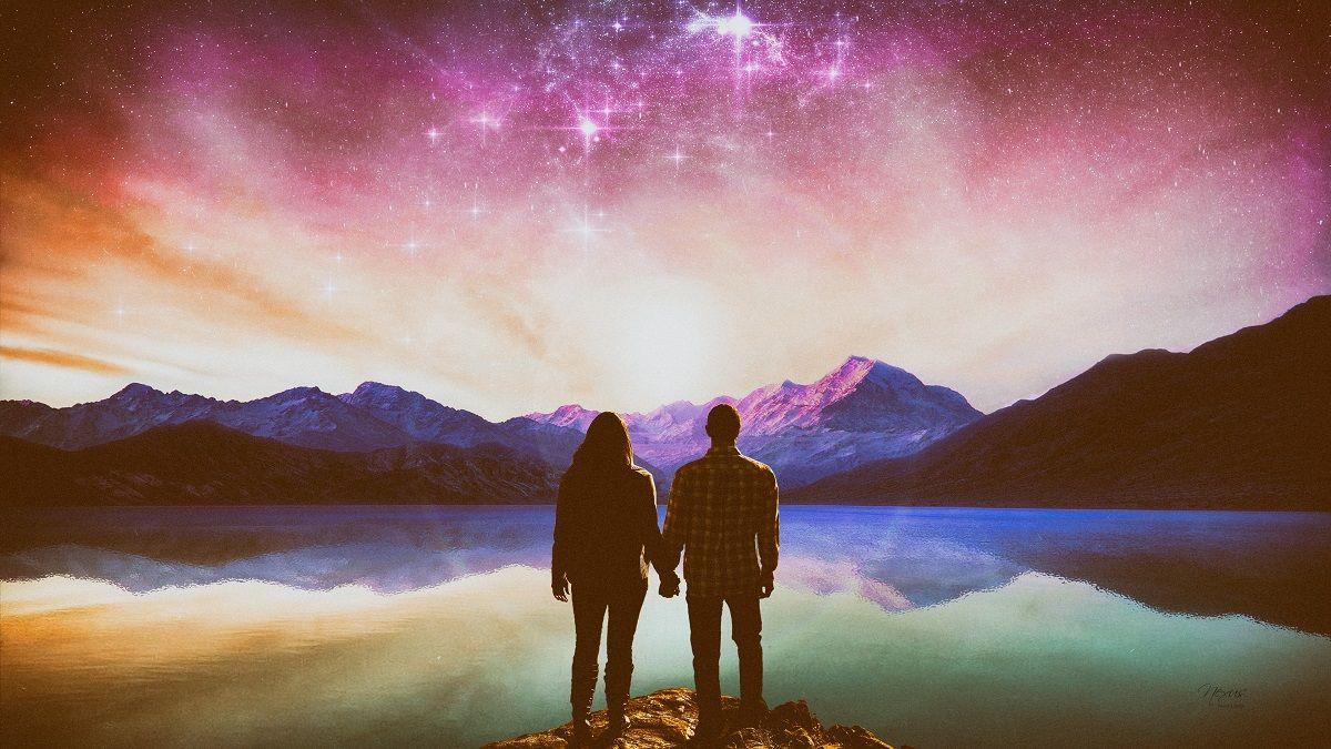 Фото: Романтическое созерцание неба влюбленными