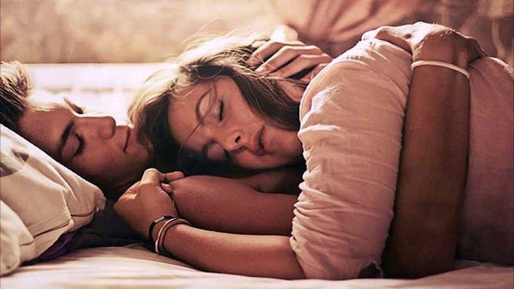Фото: Сон влюбленной парочки