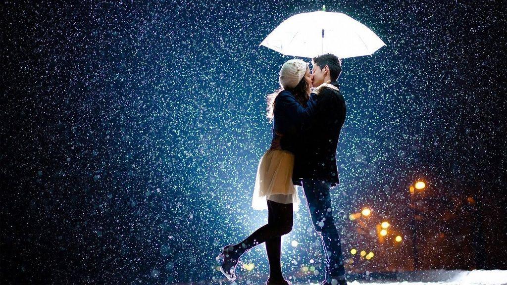 Фото: Вечерний поцелуй пары