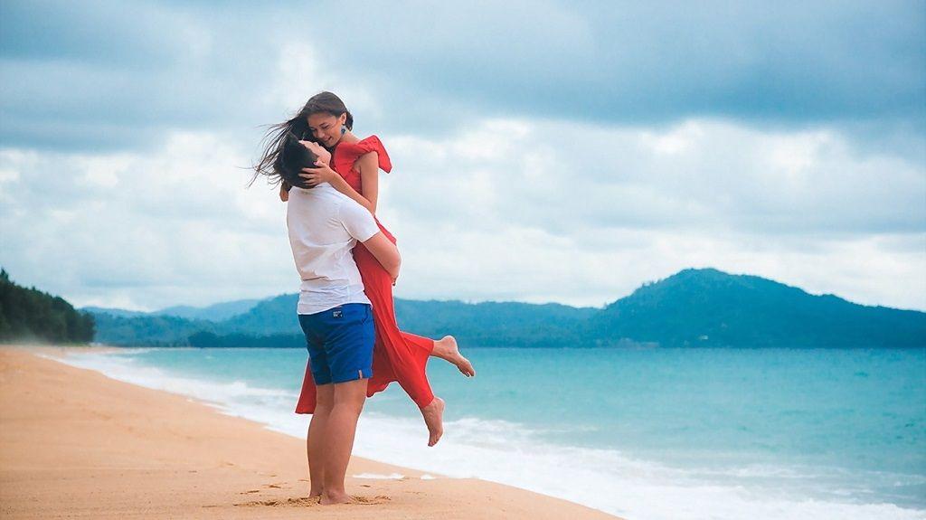 Фото: Встреча любовников на пляже